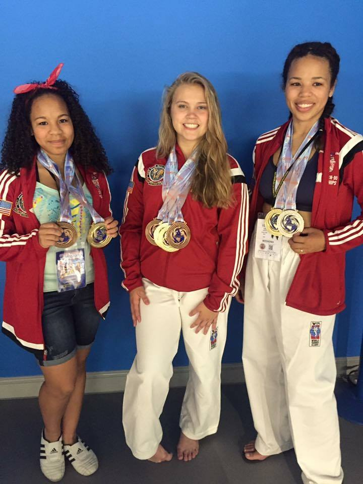 Team USA-Girls with medals